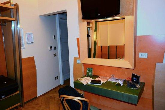 Stadt Hotel Citta: Zimmer, Blick vom Bett