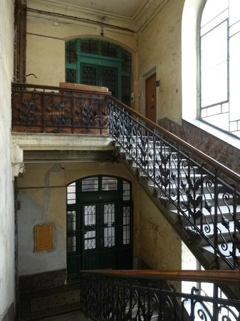 Carpe Noctem Hostel: stair case