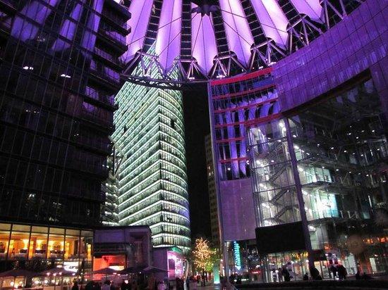 Potsdamer Platz : Another view
