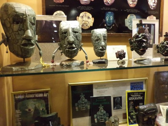 Antigua Tours, Travel & Hotels by Elizabeth Bell - Day Tours: Jade Museum stop