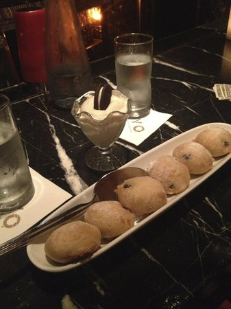 Lavo Restaurant: fried oreos