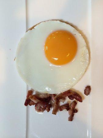 Hotel Merici: Een kunstwerkje bij het ontbijt