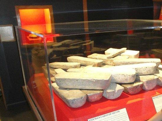 Mel Fisher Maritime Heritage Museum : Lingotes de prata