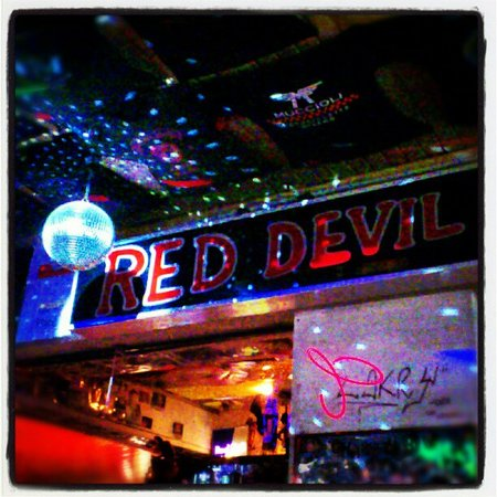 Hotel Villa Elia: Red Devil Pub