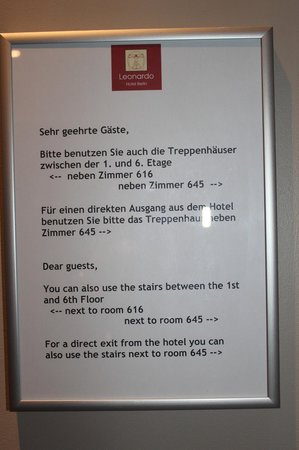 Leonardo Hotel Berlin : Guidance to the stairs at 6th floor