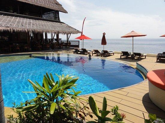 Tauch Terminal Resort Tulamben & Spa : Pool 2 neben dem Restarant