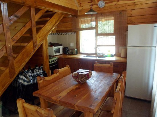 Cabañas Ela Kupal: Cocina comedor