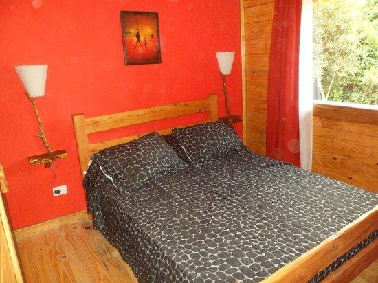 Cabañas Ela Kupal: Dormitorio planta baja