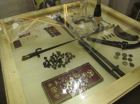 Cavern Drakensberg Resort & Spa: The war memorabilia collection