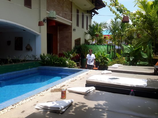 Boutique Cambo Hotel: beside pool at hotel