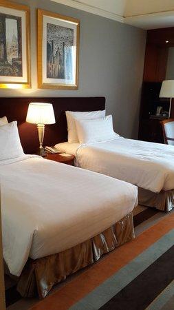 Chatrium Hotel Royal Lake Yangon : bed