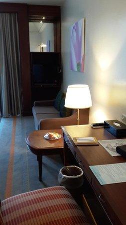 Chatrium Hotel Royal Lake Yangon : room