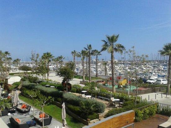 Hotel Atenea Port Barcelona Mataro: Vistas a mediodía