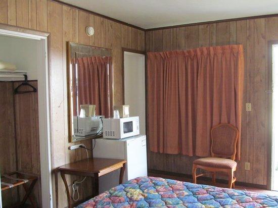 Vacation Inn Motel: Room photo