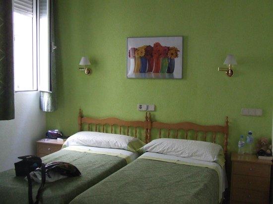 Hostal Los Alpes: Materassi e cuscini comodi