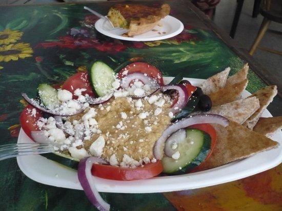 Passion Pie Cafe: Hummus plate