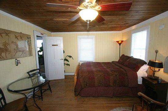 Atlantic Street Inn: Master Suite