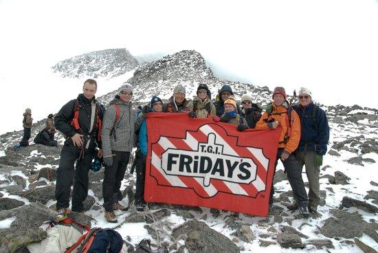 Galdhopiggen: Flott Teamtur med tidligere kollegaer