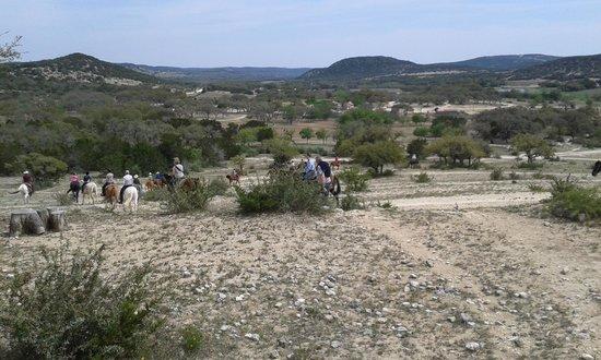 Dixie Dude Ranch: Härlig ritt i vacker natur morgon och em