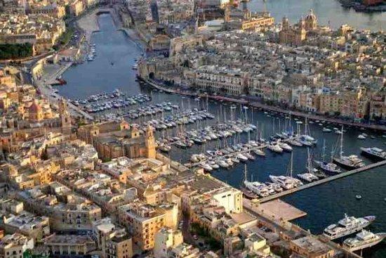 Ramsgate Royal Harbour & Marina: Панорамный вид Гавани