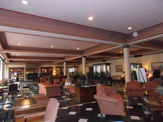 Menger Hotel: New lobby