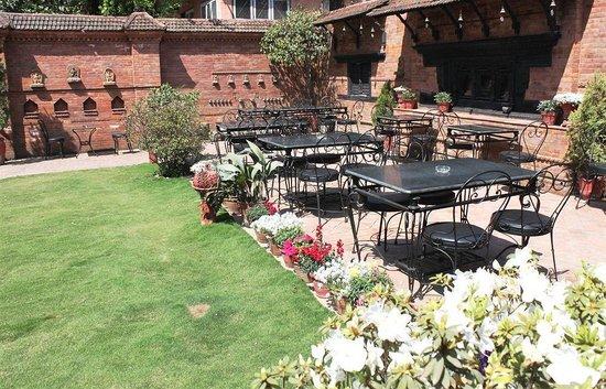 International Guest House: Garden