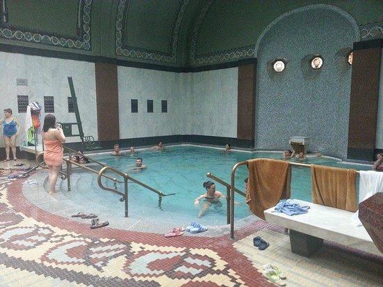 Gellert Spa : piscina interna