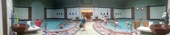 Gellert Spa: panoramica piscine interne