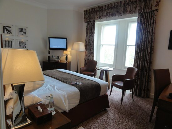 The Royal Horseguards : Executive king with river view - worth the price tag!