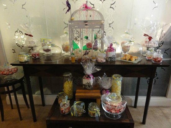 The Royal Horseguards : Sweets in Lounge area.