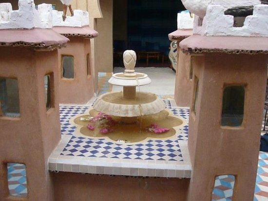 Riad Ouzine: cortile interno
