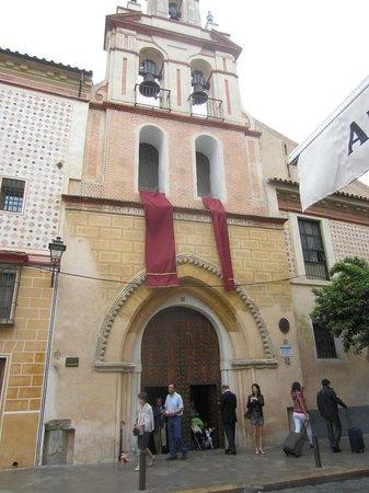 Iglesia de Santa María la Blanca: façade église