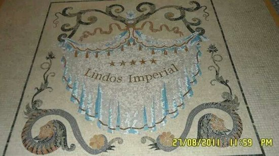 Lindos Imperial Resort & Spa: Mosaico all'ingresso della hall