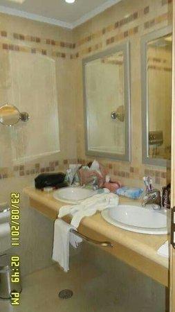 Lindos Imperial Resort & Spa : Bagno della camera