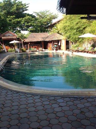 World Resort Bungalow : Pool