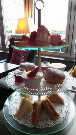 Ventana Grand Cafe: Afternoon tea selection