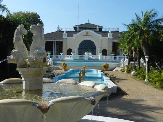 Baño De Tina Con Miel:Iberostar Ensenachos: Parte de atrás del hall de entrada donde está