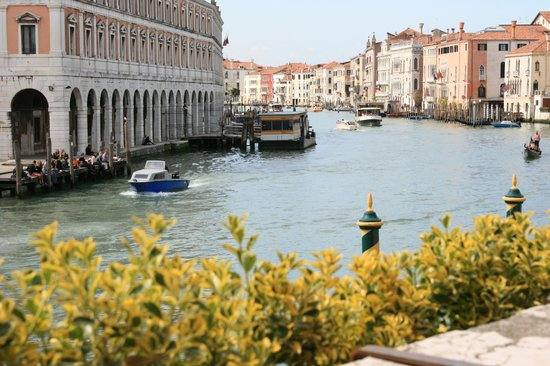 Al Ponte Antico Hotel: View of the Grand Canal to the West from the terrace