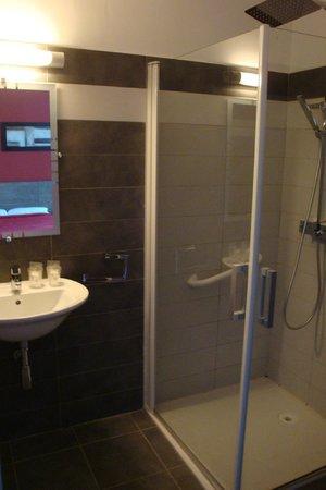 Hotel Riviera : La salle de bain