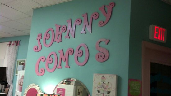 Johnny Como's Cupcakes and Coffee: Johnny Como's