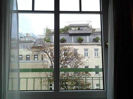 Austria Trend Hotel Ananas: vista da camera
