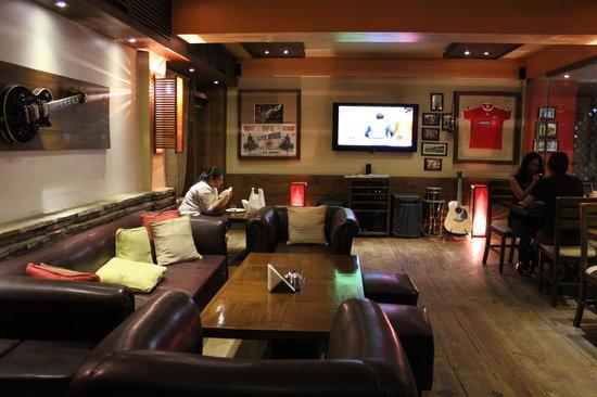 Cafe Shillong- Café (opposite hotel Yalana)