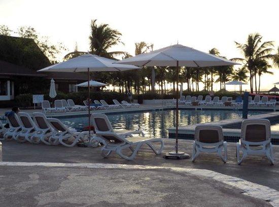 Club Med Turkoise, Turks & Caicos : Poolside at dusk