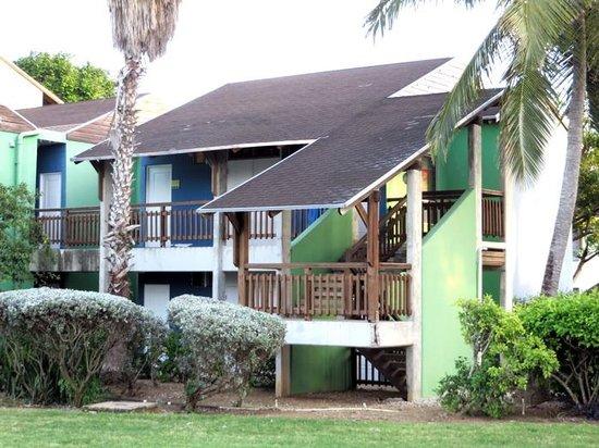 Club Med Turkoise, Turks & Caicos : Club room building exterior