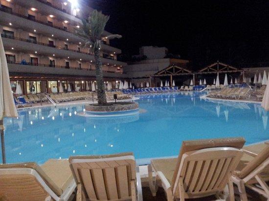 Fanabe Costa Sur Hotel: Fanabe Costasur Pool