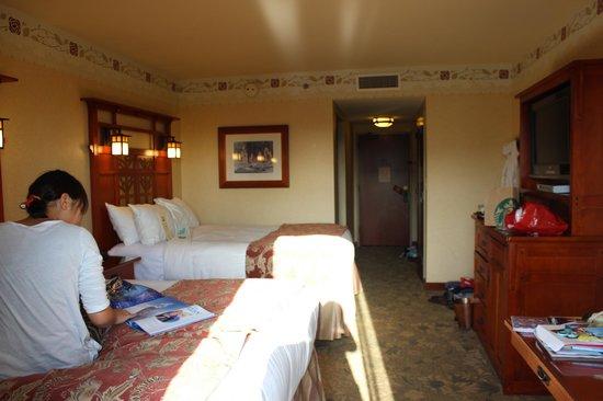 Disney's Grand Californian Hotel & Spa: ベランダからの見た部屋
