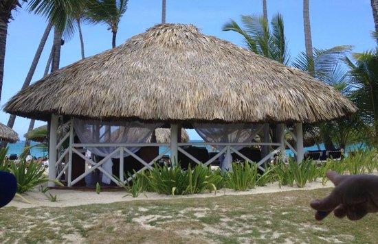 Grand Palladium Punta Cana Resort & Spa: Spa on the beach