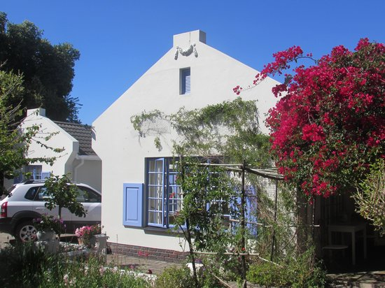 Cornerway House: Beautiful Cape Dutch Architecture