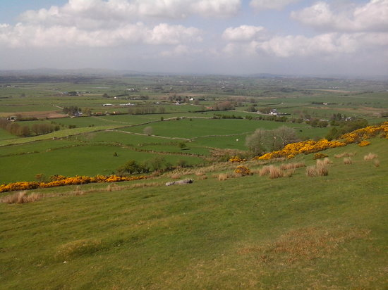Beautiful Meath Tours: Stunning Views from LOUGHCREW Cairn T.