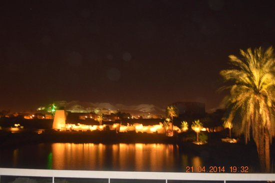 ACHTI Resort Luxor: Sunset-  Bar/ Swimming Pool Area